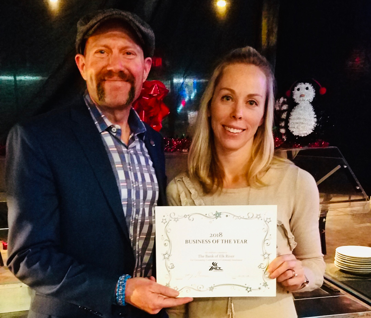 Zimmerman Area Chamber of Commerce 2018 Business of the Year Award being presented to Branch Manager, Kelly Vold.
